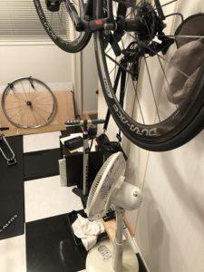 バイク下のスペースの有効活用