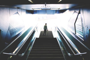 未来に続く階段
