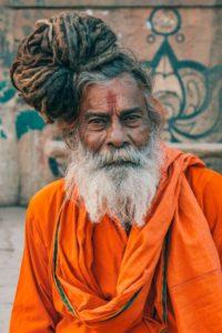 蒸し暑いインドでは腋毛をそる